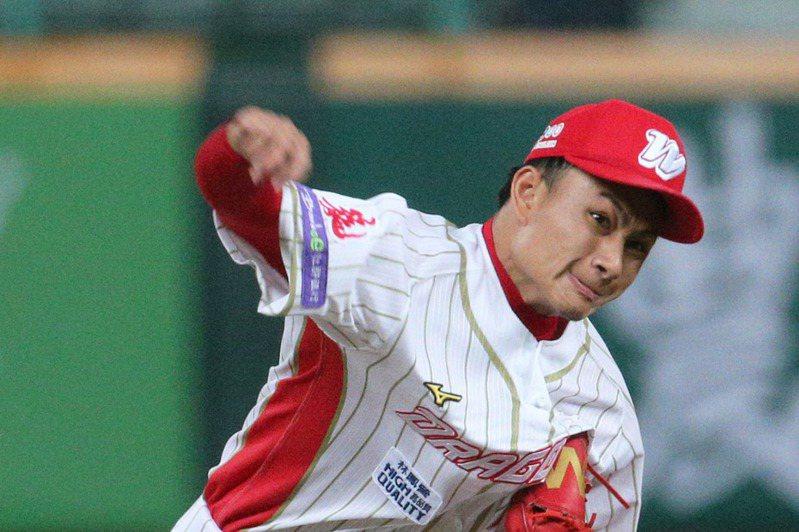 包含球速最快的徐若熙在內,味全龍隊本季已有6名投手球速飆破150公里,位居中職五隊最多。 聯合報系資料照