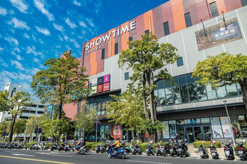秀泰廣場影城位於台中東區,為干城區注入多元休閒娛樂機能,更帶動周遭消費人潮。