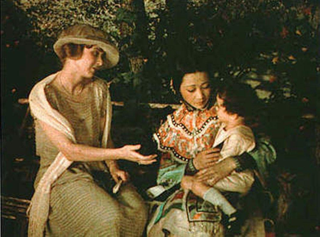 黃柳霜在《海逝》(1922)飾演遭白人拋棄的東方女子,蝴蝶夫人般的東方虐戀劇情片...