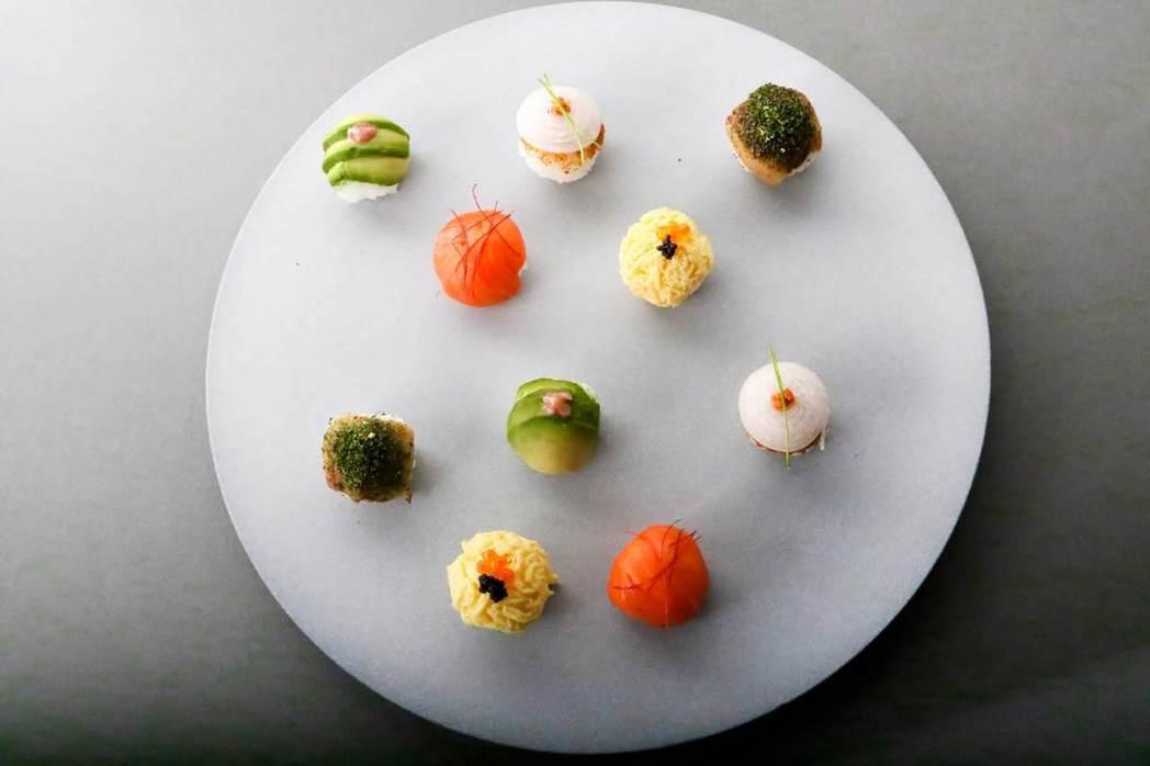 「飛花落院」擺盤精緻,料理主題是「以四季汲取靈感並善用土地與海洋所賦予的豐富食材...