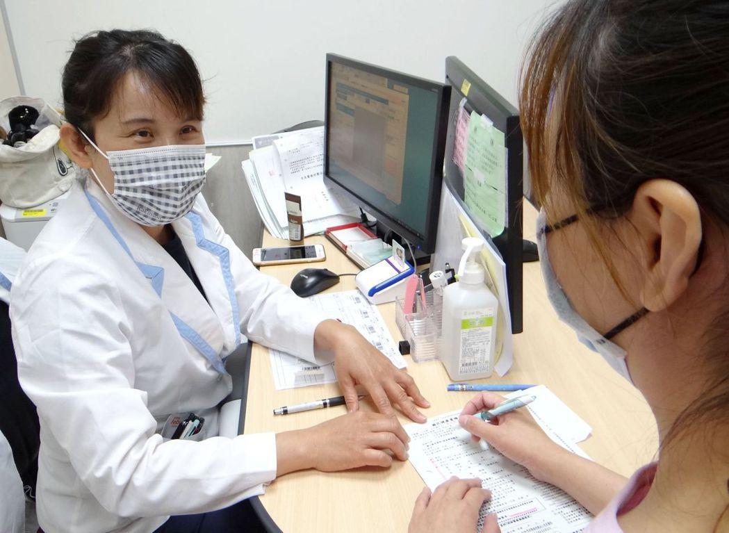 中心表示,透過篩檢可早期發現癌症或其癌前病變,經治療後更大幅降低死亡率。 奇美醫...