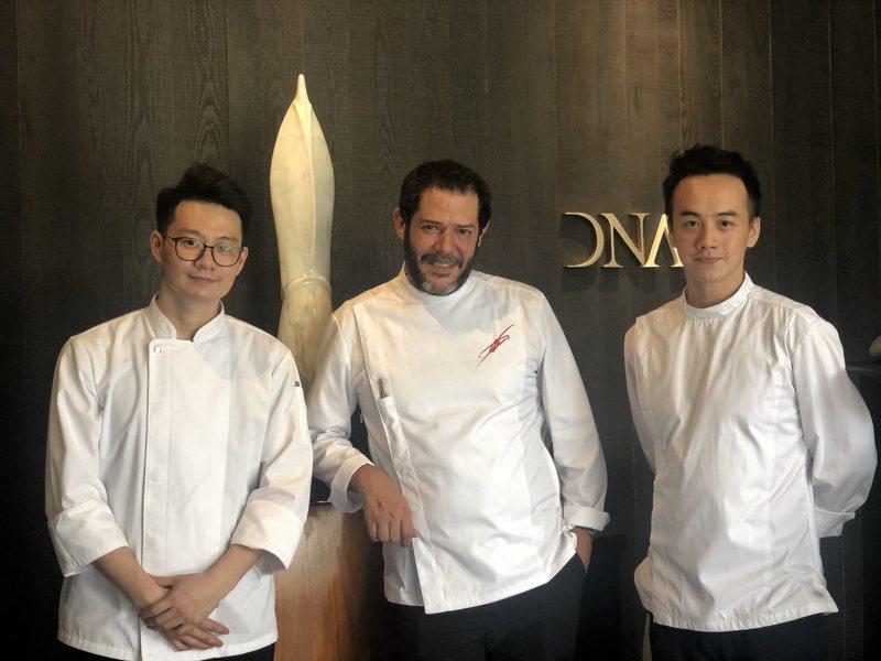 DNA Spanish Restaurant行政主廚Daniel Negreira(中)、主廚王柏翔(左)、主廚王致晟。 記者/高婉珮攝影。