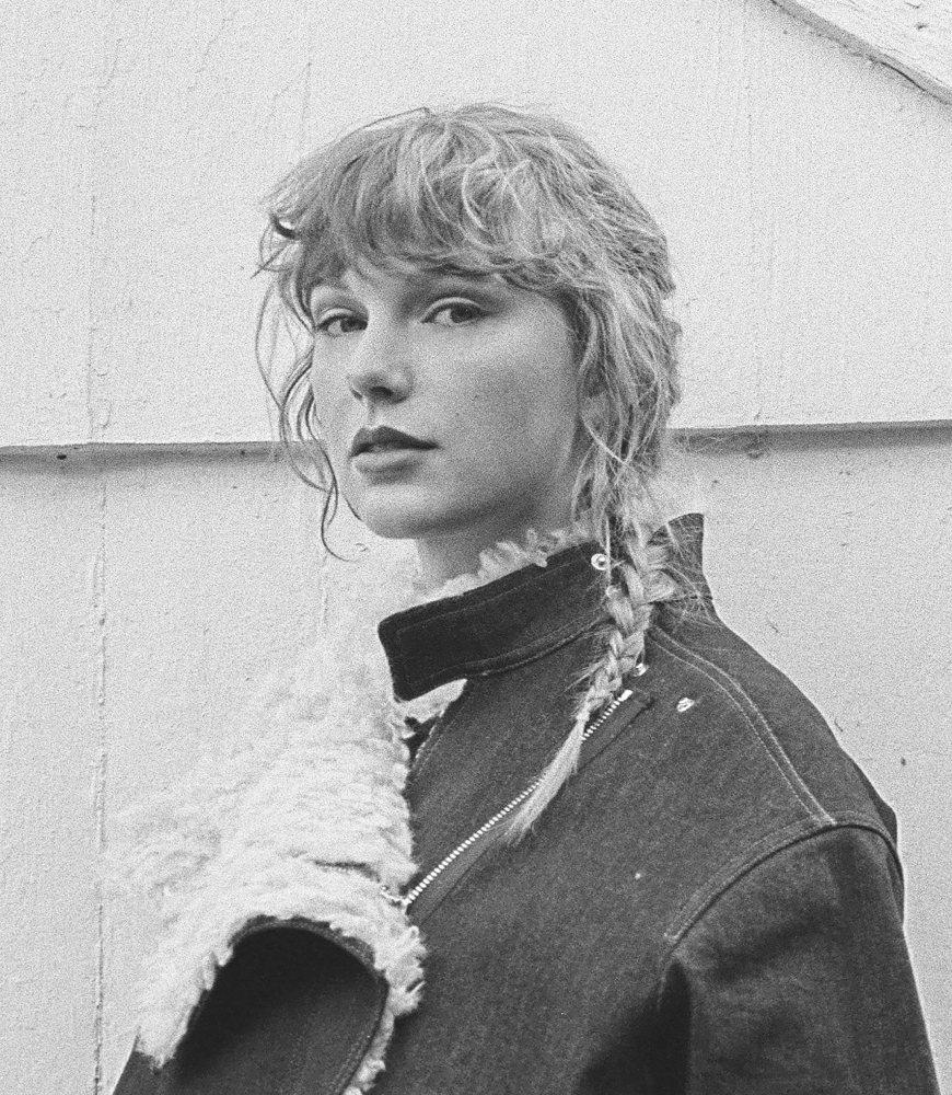 泰勒絲推出首張重錄專輯,締造1年內連續3張專輯排行奪冠。圖/環球西洋提供