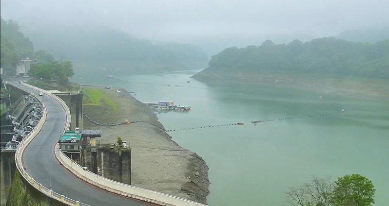 石門水庫集水區昨上午開始下小雨。圖/桃園市觀旅局即時影像