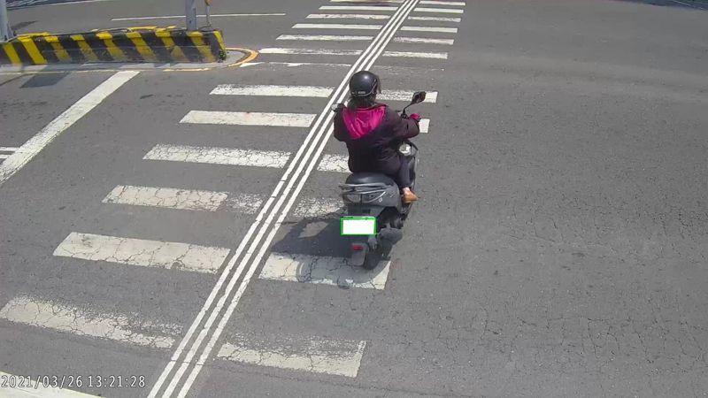 台南市中山路、西華南街路口常有機車闖紅燈、逆向行駛。圖/台南市交通局提供