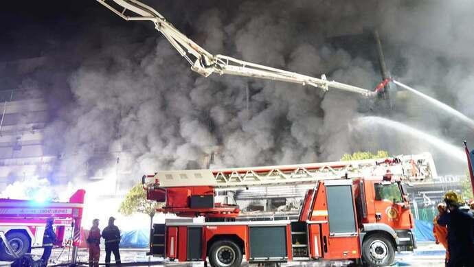 勝瑞電子大火救援現場。圖源:上觀新聞