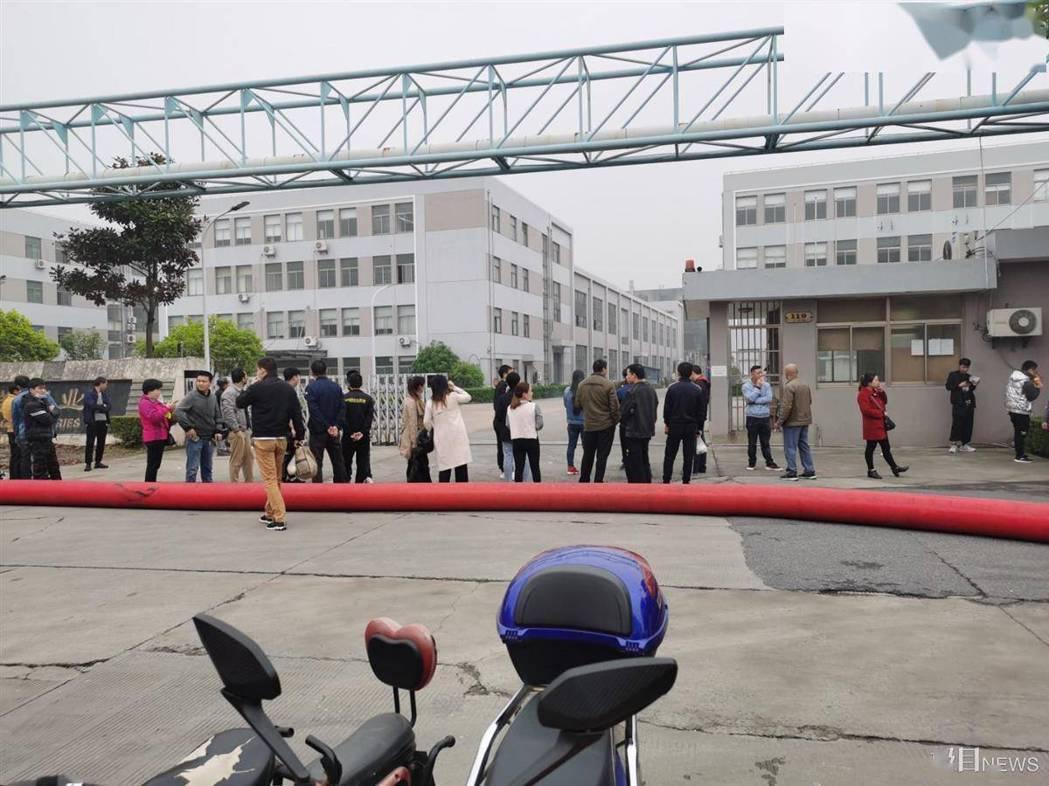 勝瑞電子災後,生產線全部停工。圖源:楚天都市報