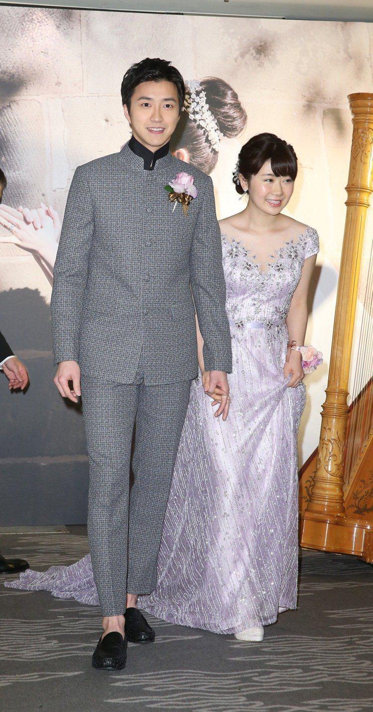 福原愛(右)爆出不倫52天後,老公江宏傑向法院訴請離婚。圖/報系資料照