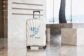真的美翻!Samsonite推出超現實藝術家行李箱 雲朵內裝有夠夢幻