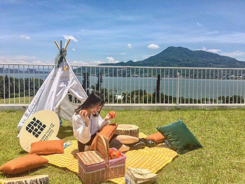 園方表示,夏日野餐節專屬野餐組合每日限量25組,需事先預訂,包含野餐籃套餐、野餐墊等。圖/滬尾藝文休閒園區提供