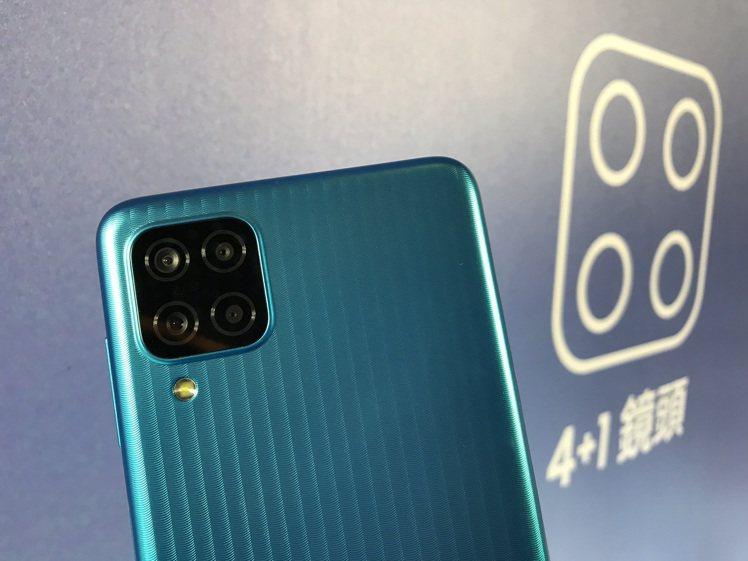 Samsung Galaxy M12的4鏡頭主相機分別為4,800萬畫素主鏡頭、...