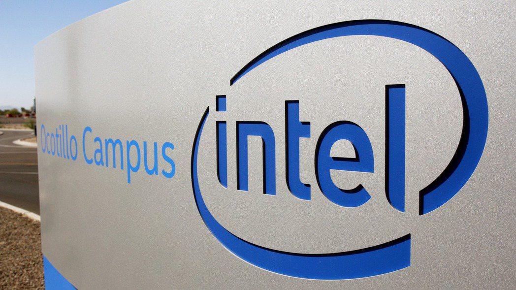 英特爾表示,供應雲端服務商的晶片較去年同期大幅衰減29%,是客戶消化庫存所致。(...