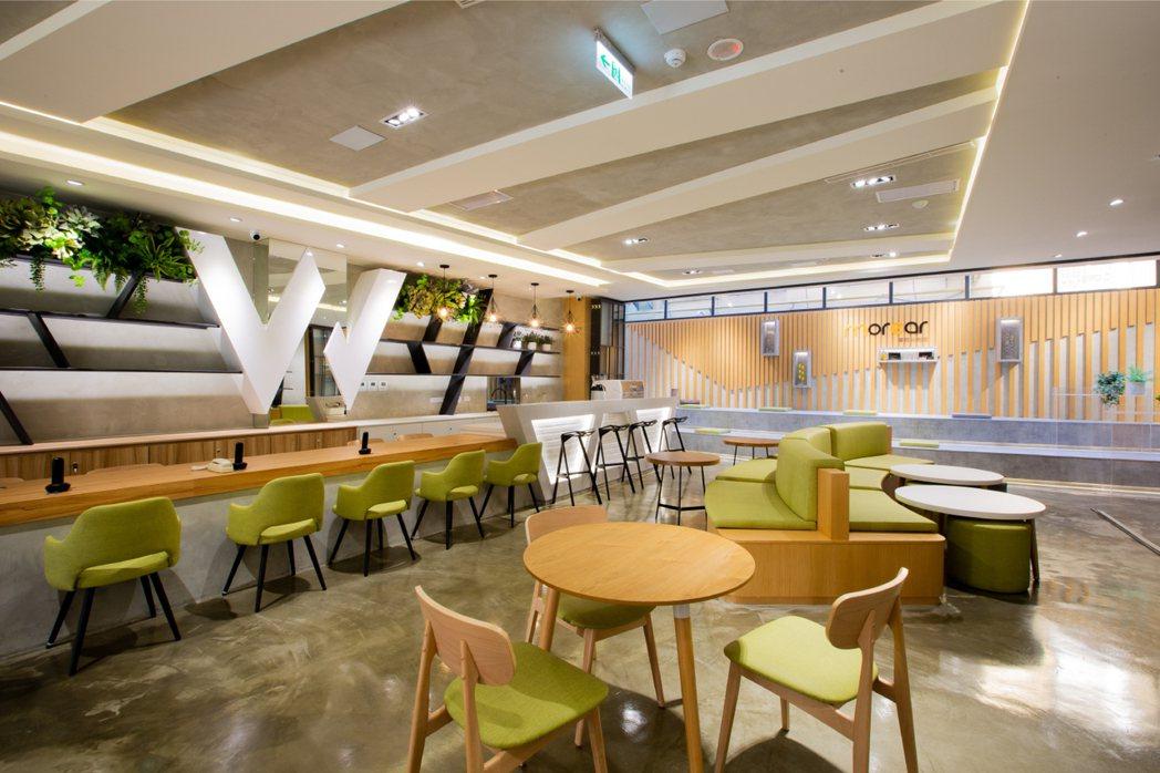 接待區設計仿如咖啡聽,為客戶及陪同家屬提供咖啡茶品,享受放鬆片刻。 濰視/提供。
