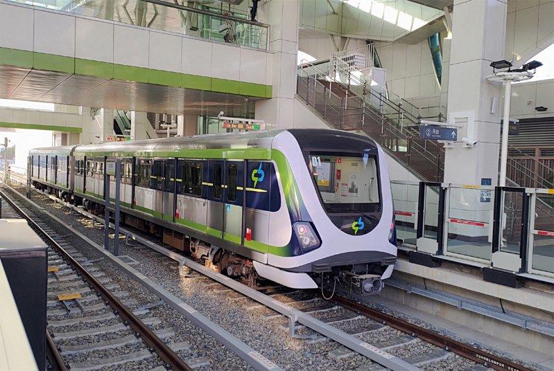 台中捷運綠線4月25日正式通車,運量從試營運時期一度破10萬人次,到5月5日僅剩25,279人次,相差很大。圖/台中市新聞局提供