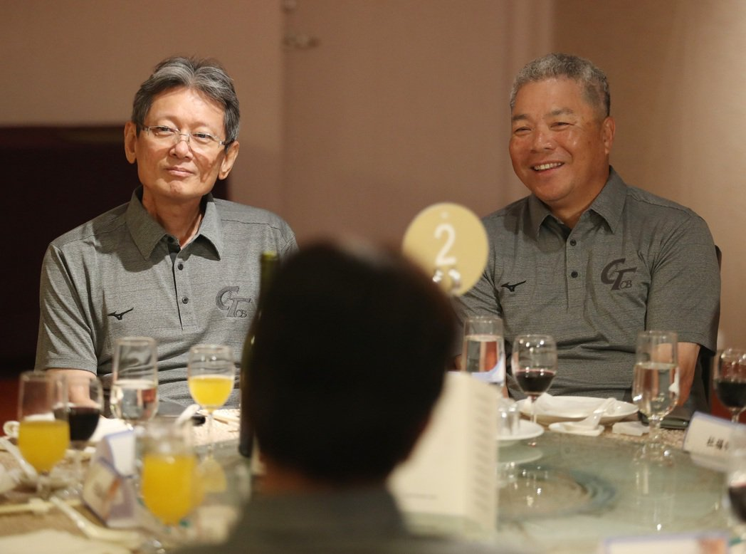 「中華棒球OB會」成立大會24日在台北舉行,昔日中華隊好手、中職富邦悍將隊顧問郭...