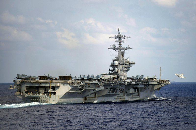 近期共軍機艦在台海周邊與南海頻繁度與強度增加。美方在鄰近區域的軍事活動也提升,圖為美軍羅斯福號航空母艦。美聯社