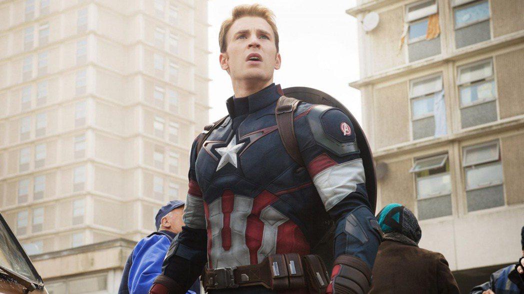 克里斯伊凡之前曾否認要再回漫威影片扮演美國隊長。圖/摘自imdb