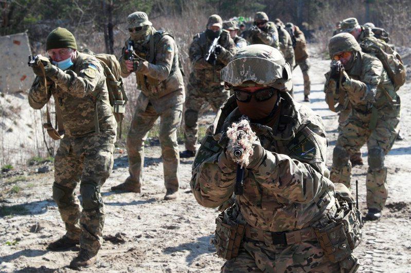 商業內幕報導指出,烏克蘭在東線戰場地面戰鬥部隊已不再是2014年時的軟柿子。路透