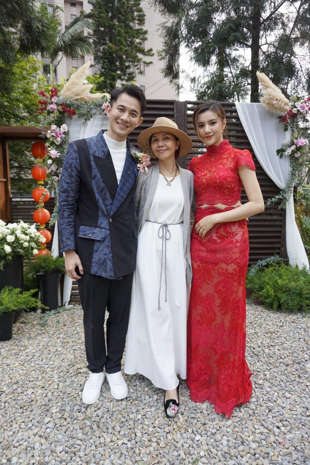 曾子益(左)今天舉行婚禮。圖/傳軒媒體提供