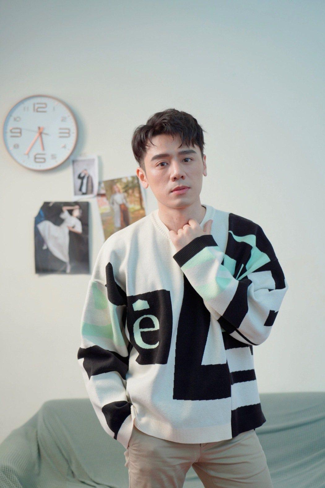 邱志宇演完學霸老師後,自己也錄取碩士班榜首。圖/海鵬提供