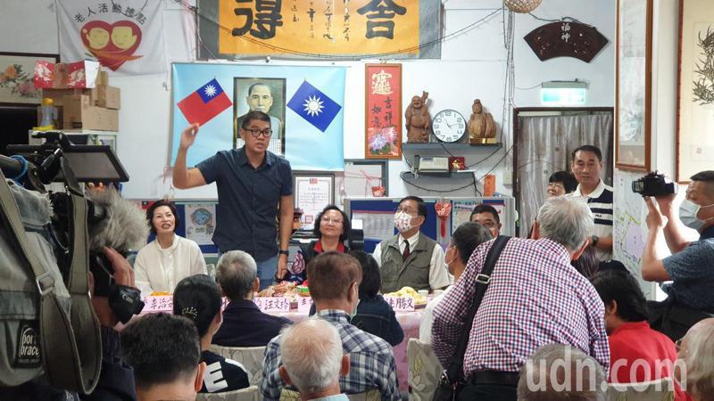 對於國民黨主席選舉,國民黨智庫副董事長連勝文表示會與基層黨員溝通、交換意見。記者胡瑞玲/攝影