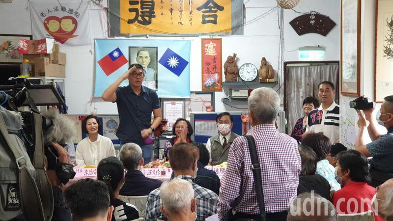 駐日代表謝長廷指台灣核電廠也排放含氚核廢水,國民黨智庫副董事長連勝文說,民進黨政府應出面說明。記者胡瑞玲/攝影