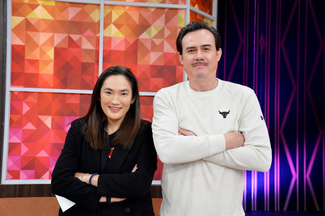 錢薇娟(左)與鄭志龍擁有超過35年的好交情。圖/衛視提供