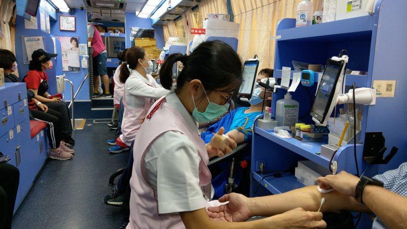 蘭陽後憲舉辦捐血活動,不少熱心民眾響應。記者戴永華/攝影
