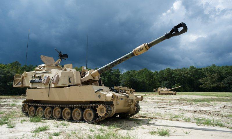美國陸軍第三步兵師的M109A6。圖/美國陸軍檔案照