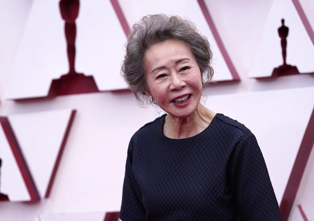 尹汝貞以「夢想之地」拿下奧斯卡最佳女配角獎。 圖/美聯社