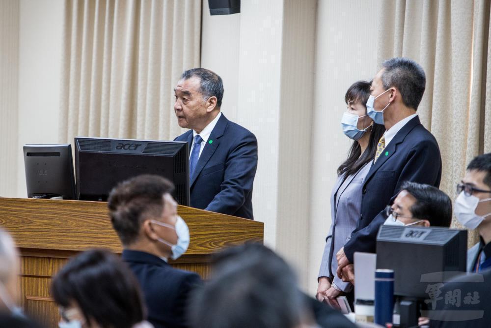國防部長邱國正於3月在立法院外交及國防委員會進行《四年期國防總檢討》專案報告,其中一項內容為「鞏固安全:應對灰色地帶威脅」。 圖/軍聞社