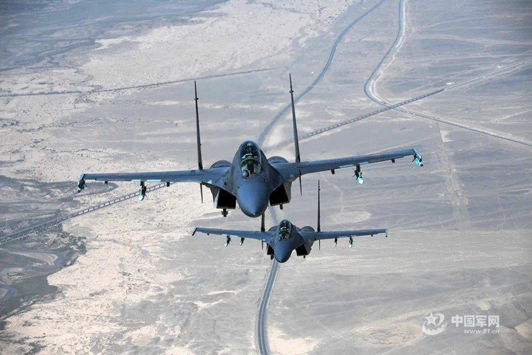 圖為解放軍殲-16戰機。 圖/中國軍網
