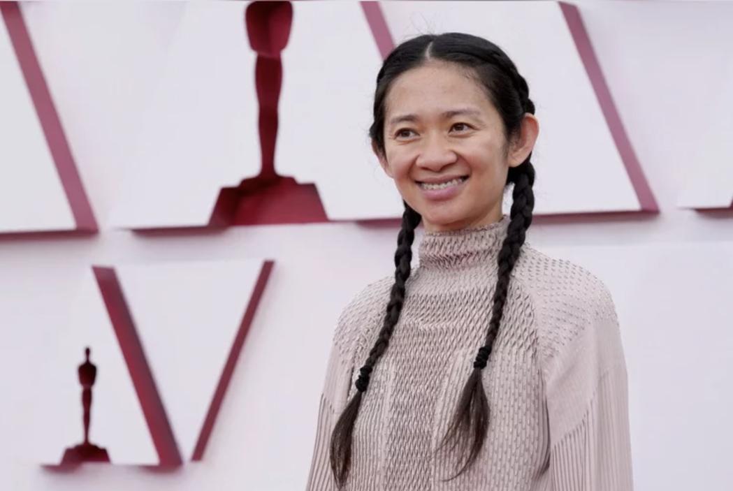趙婷以《游牧人生》奪奧斯卡最佳導演獎。圖/路透社