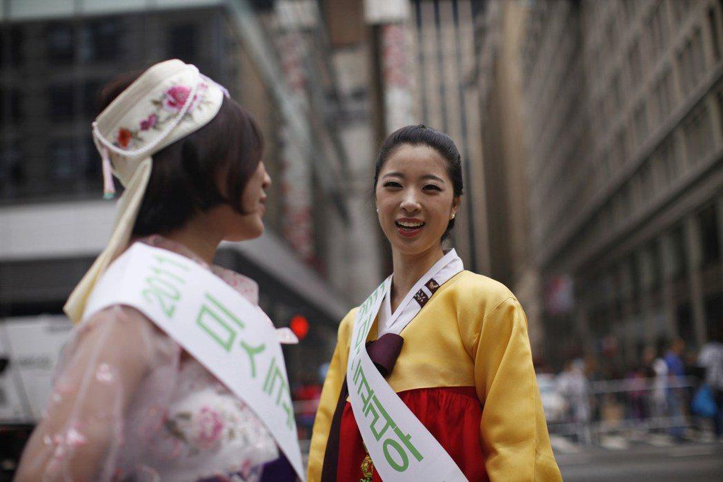 2011年,韓美人協會的30周年社慶在曼哈頓中城區辦園遊會。 圖/路透社