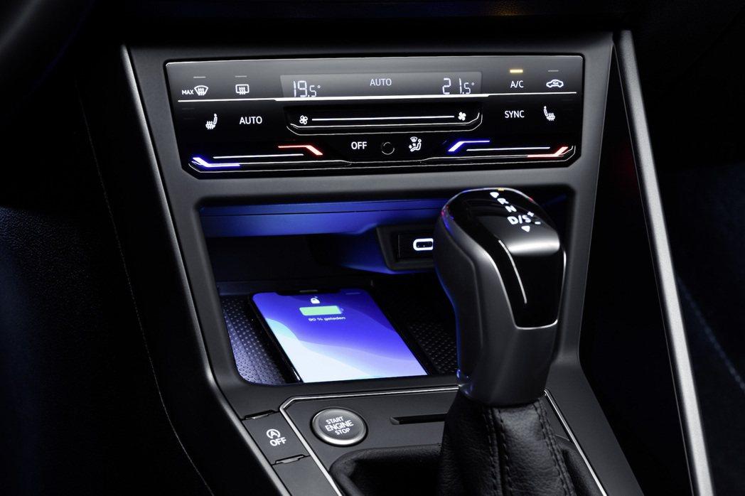 觸控式空調面板也成為Polo的選配之一。 圖/Volkswagen提供