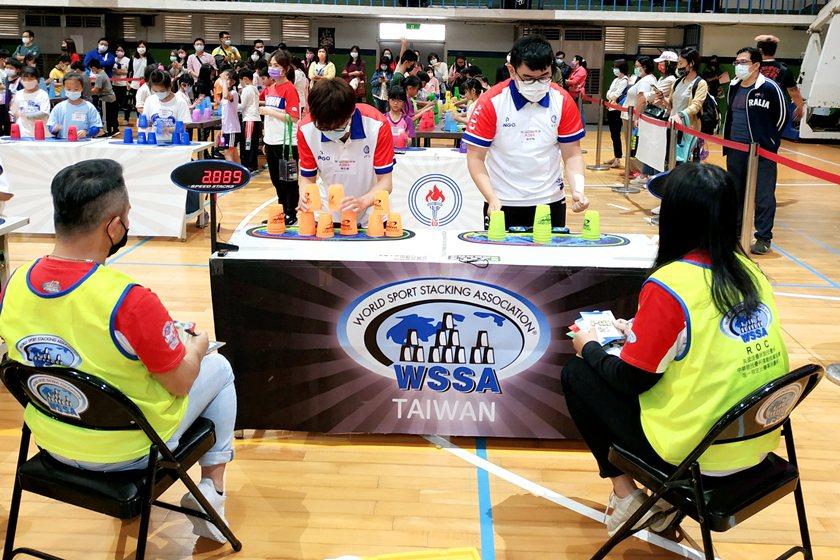 中國科大競技疊杯校隊參賽實況。 校方/提供