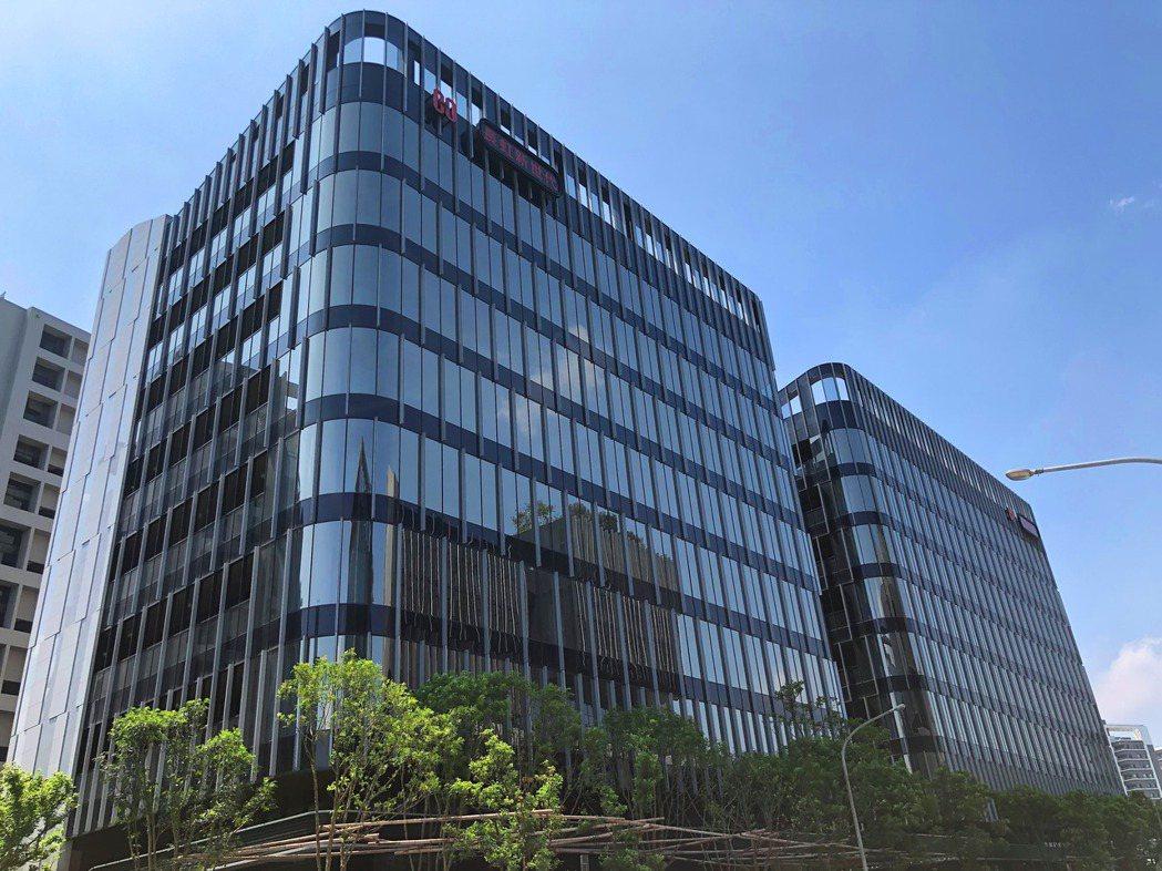 萬海航運去年以總交易37.67億元購入內科「長虹新世代科技大樓」A、B棟。 信義...