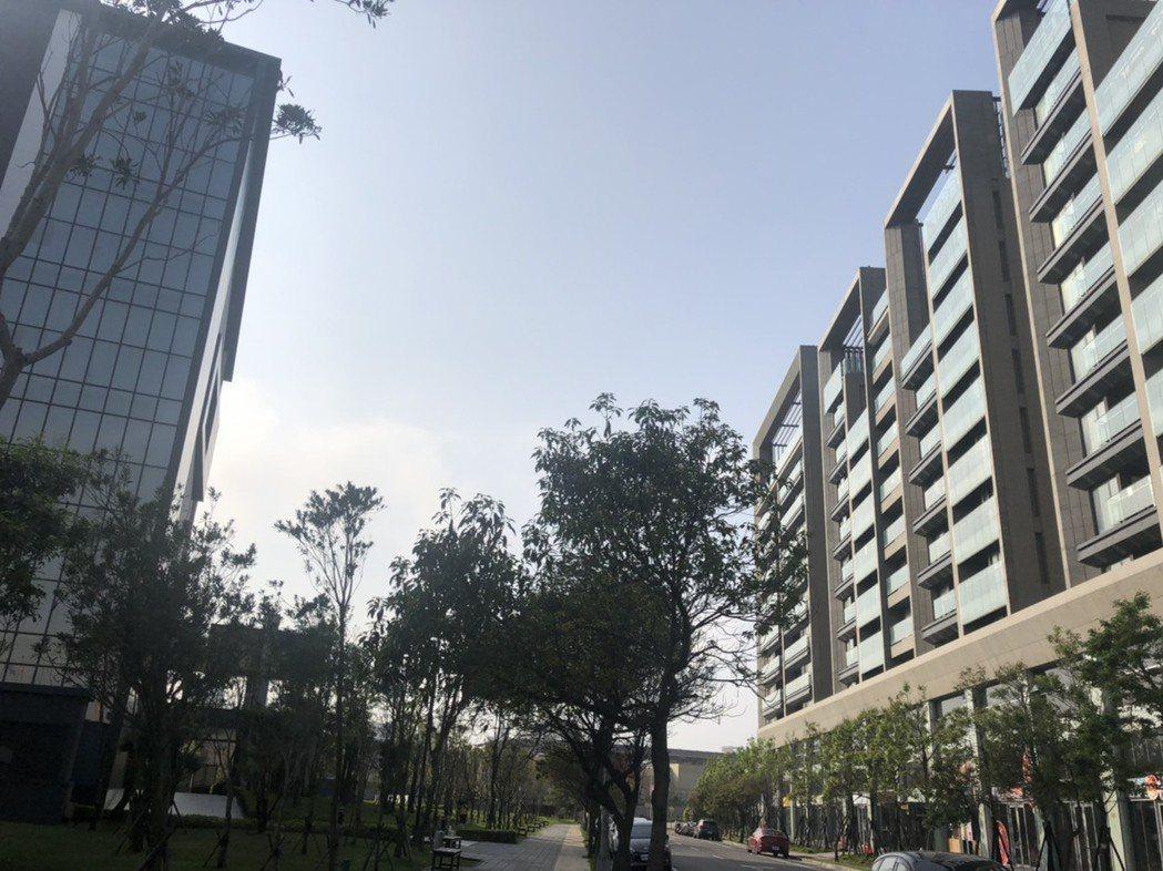 桃園的中正藝文特區、青埔是近期交易熱區。 安新建經/提供