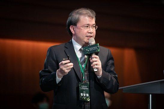 張智強博士受邀至亞洲矽谷論壇演講,分享系統整合輸出的策略與成功經驗。 楊連基...
