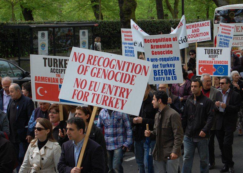 歐洲民眾要求歐盟施壓土耳其承認亞美尼亞大屠殺。圖/Photo by karaian on Flicker under Creative Commons license