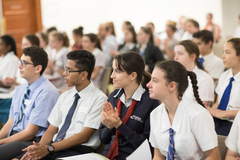 金斯頓青年服務部的一名女性員工演講後,引起家長與學生反彈。圖/Photo by Brisbane City Council on Flickr under CC2.0