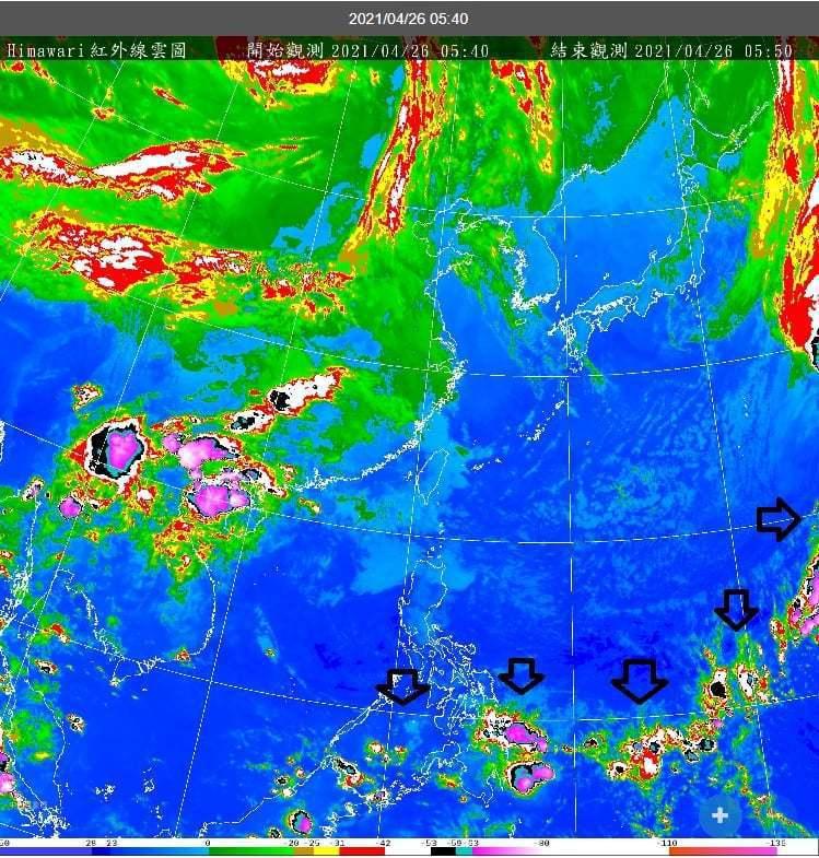 中央氣象局長鄭明典在臉書表示,今天天氣型態是乾、溼空氣交界面偏南,衛星影像一條對流雲帶,很大的弧形,被推到北緯10度附近,這個季節很少見,背後推力,就是舒力基颱風所處的一個大低壓區和北方槽線聯合起來的作用。截圖自鄭明典臉書。