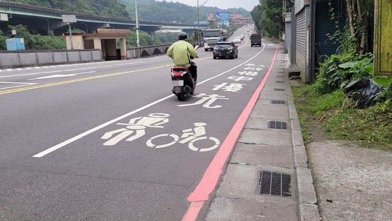 設置如不當淪雙輸,專家建議修法統一標線型人行道形式。記者游明煌/攝影