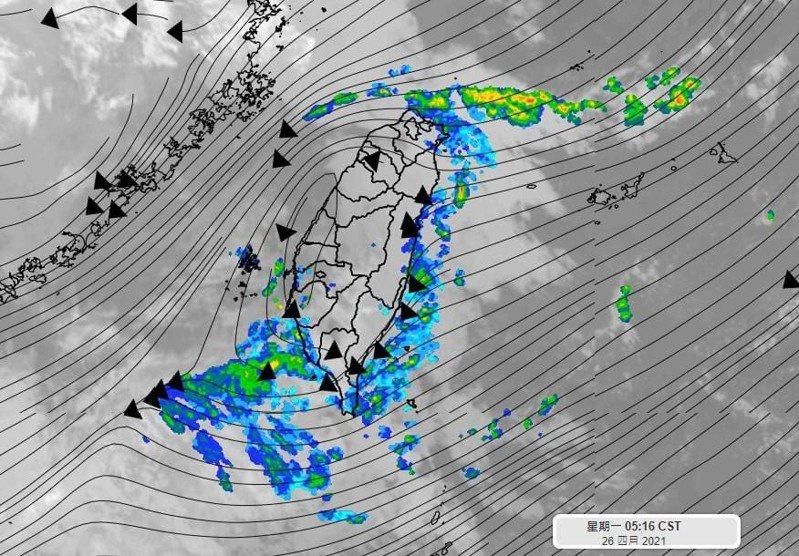天氣風險公司總經理彭啟明說,今明兩天仍偏東北風,東半部水氣略多有陣雨,中南部山區有局部午後陣雨,分布仍較為零星。圖/擷取自彭啟明臉書