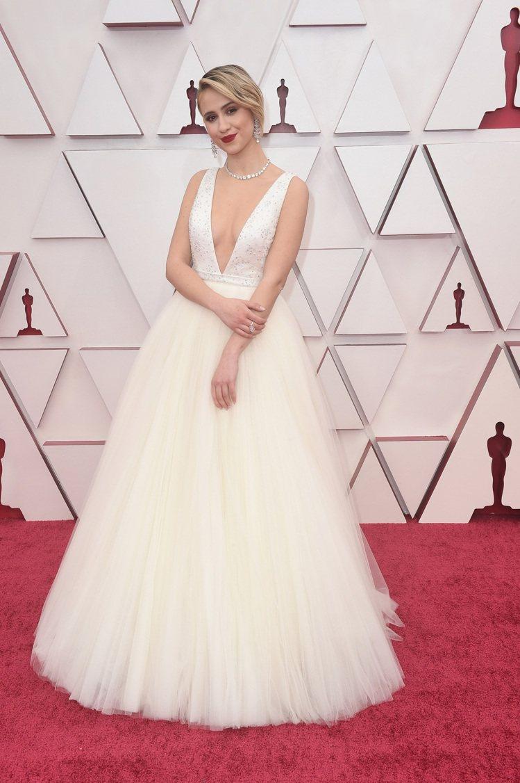 穿Louis Vuitton訂製白色絹網緞面洋裝的瑪麗亞巴卡洛娃,佩戴了英國頂級...