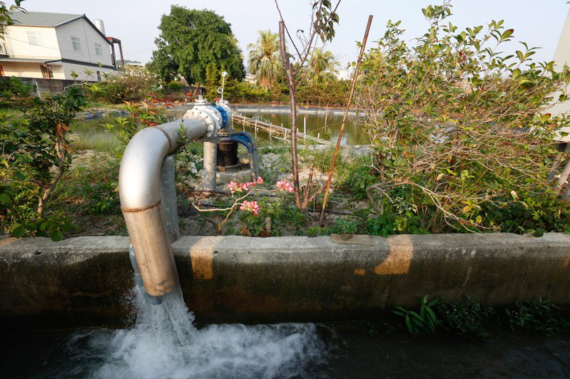 台灣遇旱、水情吃緊,抽取地下水導致地層下陷議題再成焦點。記者黃仲裕/攝影