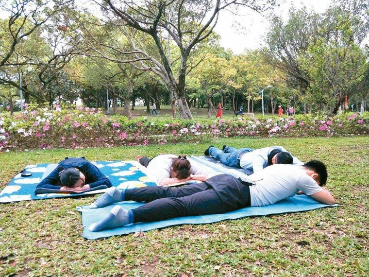 第3組:背肌訓練。攝影/李懿哲