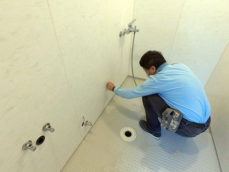 一太e衛浴有「10年防水保固」領先業界最高規格售後服務,不需擔心維修困難、漏水。 圖/一太e衛浴 提供