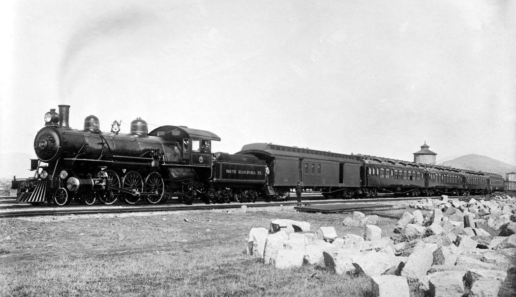 單以南滿洲鐵道來說,在旗下工作的日本人,就高達7萬1千多人(1944年統計)。圖...