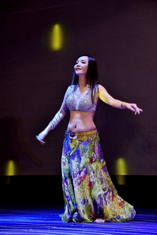 劉曉萍興趣多元,跳肚皮舞讓她揮別關節炎。 圖/劉曉萍 提供